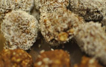 Rezept für leckere und schnelle Dattel-Nuss-Bällchen ohne Backen